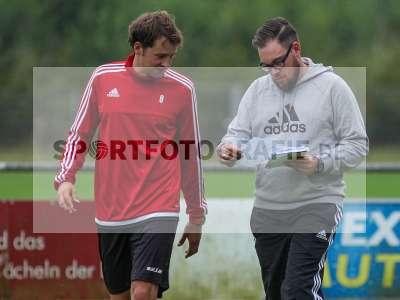 Fotos von TSV Karlburg - FC Coburg auf sportfotografie.de