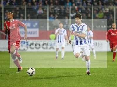 Fotos von FC Würzburger Kickers - Karlsruher SC auf sportfotografie.de