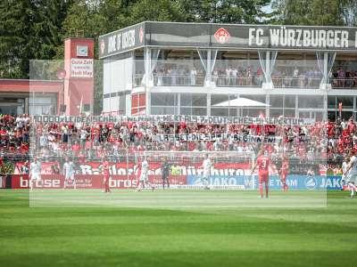 Fotos von FC Würzburger Kickers - SV Werder Bremen II auf sportfotografie.de