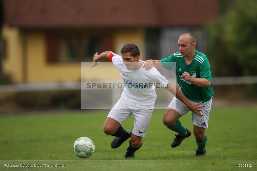 Daniel Klodewig, Lukas Müller, 08.09.2019, Kreisklasse Würzburg, FC Karsbach, FC Gössenheim - Bild-ID: 2258812