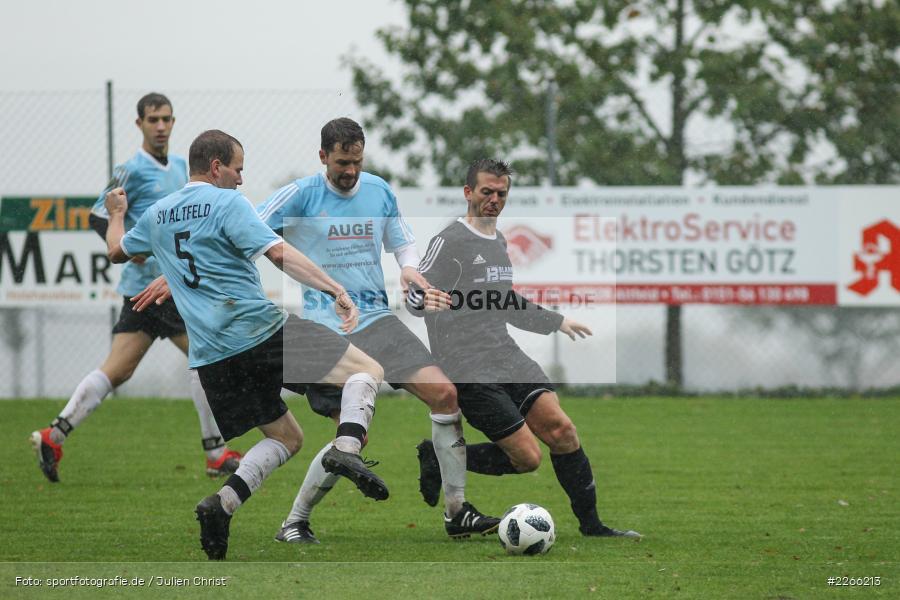 Stefan Straub, Tobias Wießmann, Michael Riedel, 06.10.2019, Kreisliga Würzburg, FV 05 Helmstadt, SV Altfeld - Bild-ID: 2266213