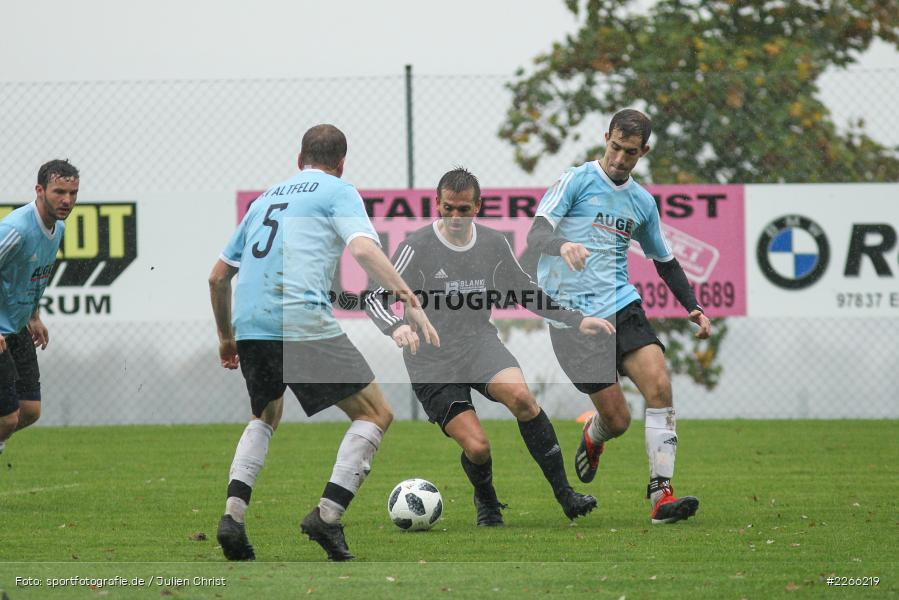 Marco Nitschky, Stefan Straub, Michael Riedel, 06.10.2019, Kreisliga Würzburg, FV 05 Helmstadt, SV Altfeld - Bild-ID: 2266219