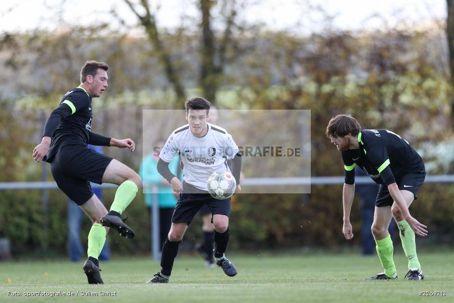 Jonas Hilpert, Michael Weyer, Viktor Ziegler, 09.11.2019, Kreisliga Würzburg Gr. 2, TSV Karlburg II, FC Wiesenfeld-Halsbach - Bild-ID: 2269712