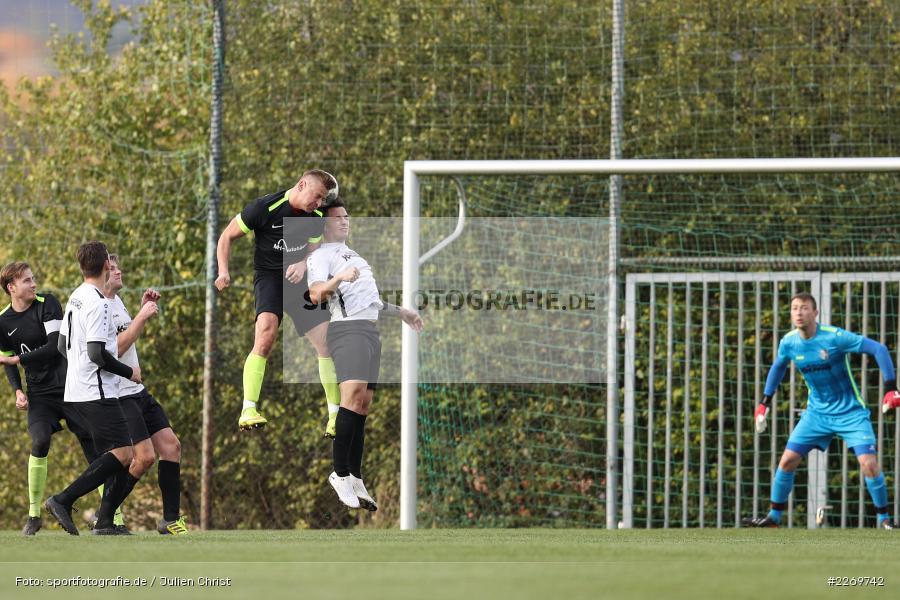 Szymon Dynia, Michael Wolff, 09.11.2019, Kreisliga Würzburg Gr. 2, TSV Karlburg II, FC Wiesenfeld-Halsbach - Bild-ID: 2269742