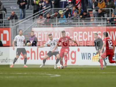 Fotos von FC Würzburger Kickers - Viktoria Köln auf sportfotografie.de