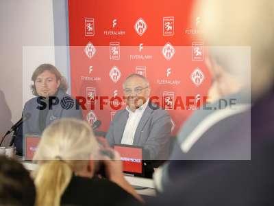 Fotos von Vorstellung FLYERALARM Global Soccer auf sportfotografie