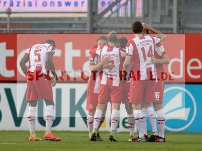 Fotos von FC Würzburger Kickers - 1. FC Kaiserslautern auf sportfotografie