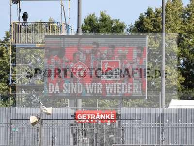 Fotos von FC Würzburger Kickers - Hallescher FC auf sportfotografie