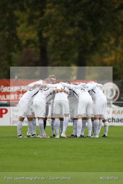 Mannschaftskreis, Sportgelände, Karlburg, 03.10.2020, sport, action, Fussball, Bayernliga Nord, Oktober 2020, DJK Vilzing, TSV Karlburg - Bild-ID: 2280724