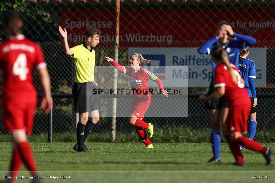 Emotionen, Torjubel, Marie Theres Franz, Sportgelände, Karsbach, 03.10.2020, sport, action, Fussball, Landesliga Frauen, Oktober 2020, FC Pegnitz, FC Karsbach - Bild-ID: 2280857