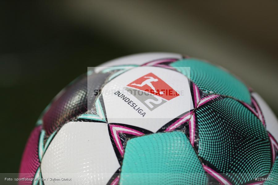 Derbystar, Spielgerät, Ball, Symbolbild, Voith-Arena, Heidenheim, 06.11.2020, DFL, sport, action, Fussball, Deutschland, November 2020, Saison 2020/2021, Bundesliga, 2. Bundesliga, FC Würzburger Kickers, 1. FC Heidenheim - Bild-ID: 2284659