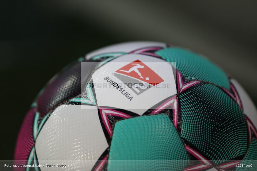 Derbystar, Spielgerät, Ball, Symbolbild, Voith-Arena, Heidenheim, 06.11.2020, DFL, sport, action, Fussball, Deutschland, November 2020, Saison 2020/2021, Bundesliga, 2. Bundesliga, FC Würzburger Kickers, 1. FC Heidenheim - Bild-ID: 2284660
