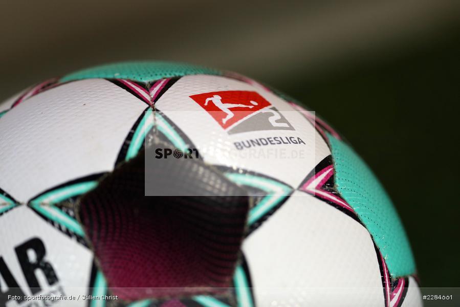 Derbystar, Spielgerät, Ball, Symbolbild, Voith-Arena, Heidenheim, 06.11.2020, DFL, sport, action, Fussball, Deutschland, November 2020, Saison 2020/2021, Bundesliga, 2. Bundesliga, FC Würzburger Kickers, 1. FC Heidenheim - Bild-ID: 2284661