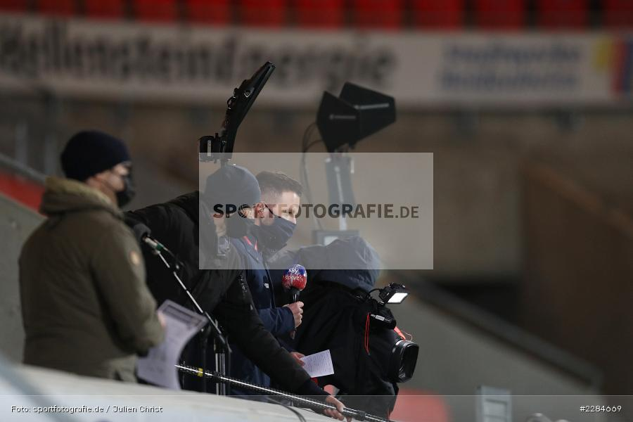 Covid-19, sky sport, TV Interview, Voith-Arena, Heidenheim, 06.11.2020, DFL, sport, action, Fussball, Deutschland, November 2020, Saison 2020/2021, Bundesliga, 2. Bundesliga, FC Würzburger Kickers, 1. FC Heidenheim - Bild-ID: 2284669