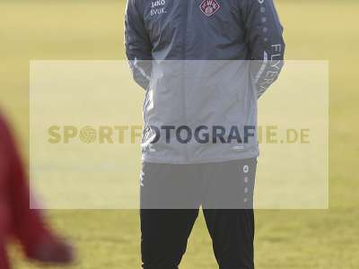 Fotos von Erstes Training mit Bernhard Trares auf sportfotografie.de