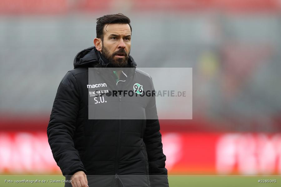 Serhat Umar, FLYERALARM Arena, Würzburg, 22.11.2020, DFL, sport, action, Fussball, Deutschland, November 2020, Saison 2020/2021, 2. Bundesliga, Hannover 96, FC Würzburger Kickers - Bild-ID: 2285093