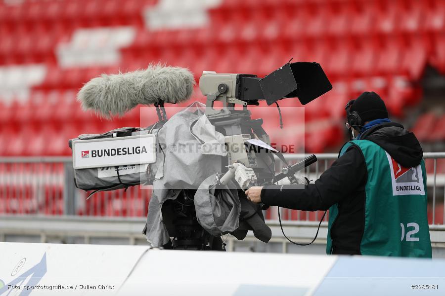 Übertragung, Sportcast, TV-Kamera, Symbolbild, FLYERALARM Arena, Würzburg, 22.11.2020, DFL, sport, action, Fussball, Deutschland, November 2020, Saison 2020/2021, 2. Bundesliga, Hannover 96, FC Würzburger Kickers - Bild-ID: 2285181