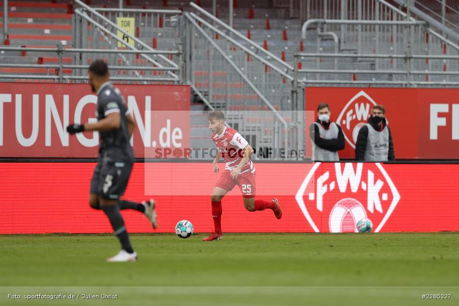 Dominik Meisel, FLYERALARM Arena, Würzburg, 22.11.2020, DFL, sport, action, Fussball, Deutschland, November 2020, Saison 2020/2021, 2. Bundesliga, Hannover 96, FC Würzburger Kickers - Bild-ID: 2285227