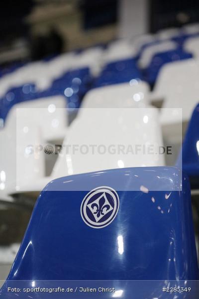 Aufkleber, Leere Sitzschale, Merck-Stadion am Böllenfalltor, Darmstadt, 27.11.2020, DFL, sport, action, Fussball, Deutschland, November 2020, Saison 2020/2021, 2. Bundesliga, Eintracht Braunschweig, SV Darmstadt 98 - Bild-ID: 2285349
