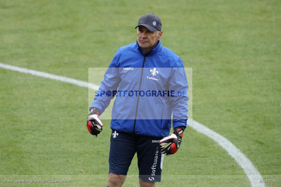 Torwart-Trainer, Uwe Zimmermann, Merck-Stadion, Darmstadt, 16.04.2021, DFL, sport, action, Fussball, Deutschland, April 2021, Saison 2020/2021, SGF, SVD, Bundesliga, 2. Bundesliga, SpVgg Greuther Fürth, SV Darmstadt 98 - Bild-ID: 2291779