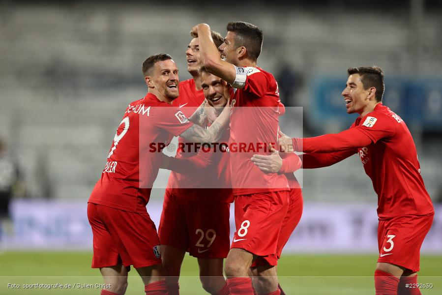 Emotionen, Tor, Torjubel, Maxim Leitsch, Anthony Losilla, Simon Zoller, Robert Tesche, Merck-Stadion, Darmstadt, 26.04.2021, DFL, sport, action, Fussball, Deutschland, April 2021, Saison 2020/2021, BOC, SVD, Bundesliga, 2. Bundesliga, VfL Bochum, SV Darmstadt 98 - Bild-ID: 2292630