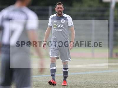 Fotos von FC Bayern Alzenau - TSV Karlburg auf sportfotografie.de