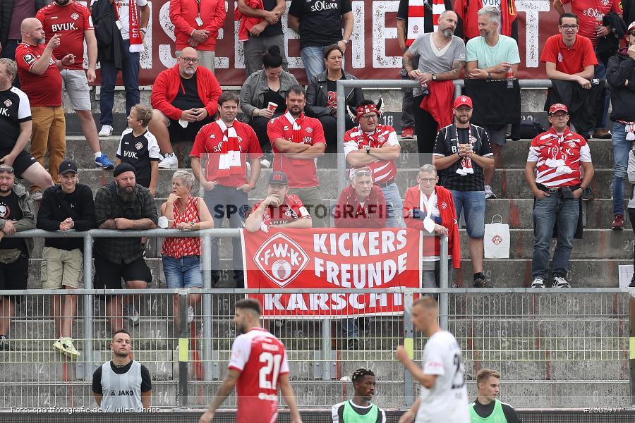 Fans, FLYERALARM Arena, Würzburg, 22.08.2021, DFL, sport, action, Fussball, Deutschland, August 2021, Saison 2021/2022, OSN, FWK, 3. Liga, VfL Osnabrück, FC Würzburger Kickers - Bild-ID: 2303977