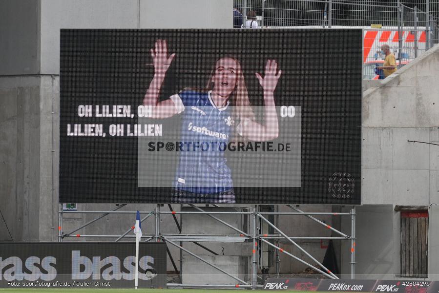 Oh Lilien, Hymne, LED-Anzeigetafel, Merck-Stadion, Darmstadt, 28.08.2021, DFL, sport, action, Fussball, Deutschland, August 2021, Saison 2021/2022, 2. Bundesliga, H96, SVD, Hannover 96, SV Darmstadt 98 - Bild-ID: 2304296